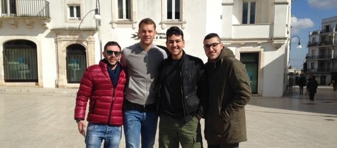 Manuel Neuer in visita a Martina Franca