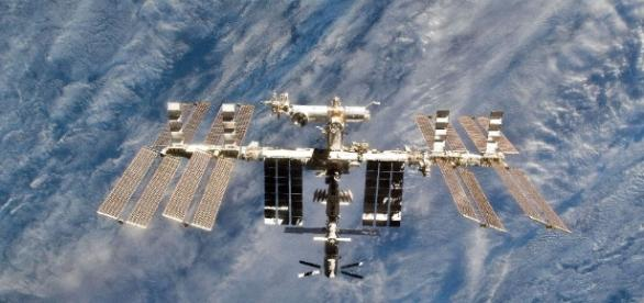 ISS astronauts dodge flying Russian space debris - yahoo.com