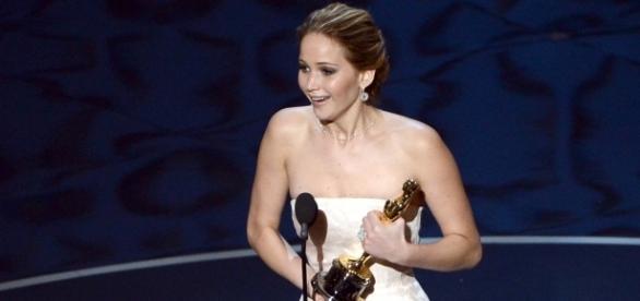 La vittoria di Jennifer Lawrence agli Oscar è tra le più meritate secondo Rolling Stone (via Getty Images)