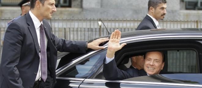 Berlusconi in Procura: 'La Rigato voleva estorcermi un milione di euro'