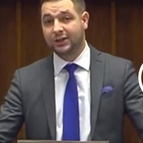 Wiceminister sprawiedliwości Patryk Jaki twardo bronił swoich racji.