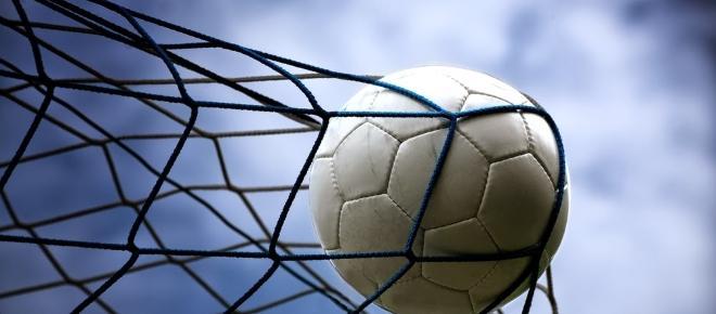 Fim de semana futebolístico: jogos por toda a Europa