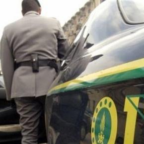 L'aggressore è stato fermato mentre tentava la fuga da una pattuglia della Guardia di Finanza