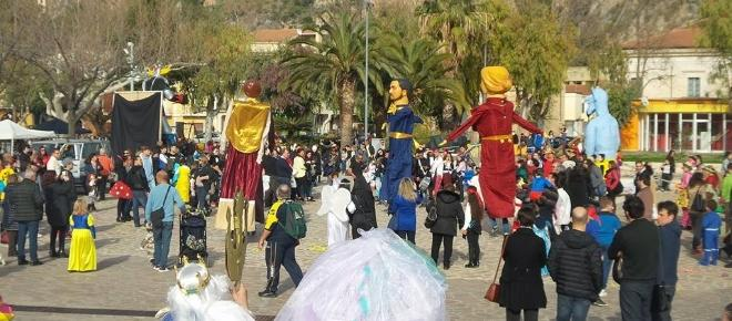 La Città dell'Isola Dino è il centro del Carnevale della Riviera dei Cedri