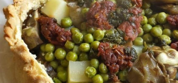 Panada di carne, piselli e patate