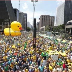 """""""Não vamos pagar o pato"""" foi o lema da Fiesp"""