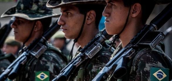 Tropa em formação do Exército brasileiro