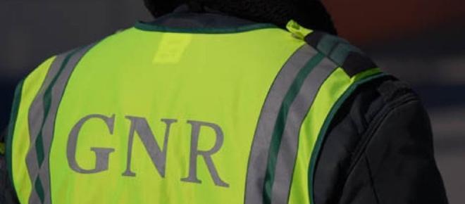 Militar da GNR abalroado violentamente em Mangualde (Viseu)