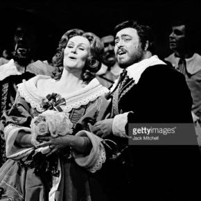 Joan Sutherland with Luciano Pavarotti, in 'I Puritani' at the Met (Feb. 25, 1975). Photo: Jack Mitchell/Getty Images, used with permission.