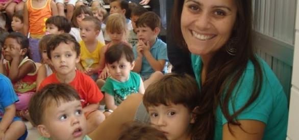 As crianças têm muito a contribuir com seu próprio desenvolvimento (Fonte da imagem: Metodologia da Educação Infantil: Novembro 2011 - blogspot.com)