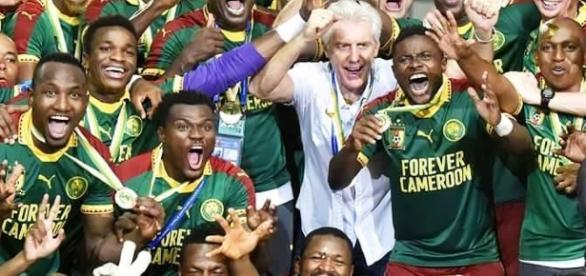 La victoire de la can continue au cameroun autour de la c l bration du football - Vainqueur coupe d afrique ...