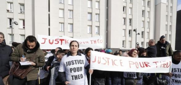 Viol : la toile réclame justice pour Théo