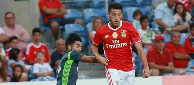 Benfica, 3 - Arouca, 0: O Benfica vai-se manter na liderança da Liga Portuguesa