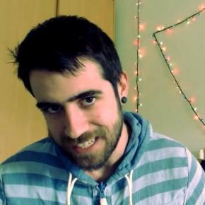 """El Youtuber Auronplay, conocido en España como """"el crítico de Youtube"""" por sus contenidos humorísticos sobre crítica"""