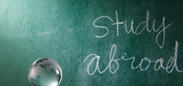 9 Compelling Reasons Why Students Should Study Abroad • Expert ... - expertvagabond.com