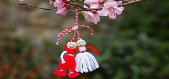 Cada año, el 1 de marzo en Bulgaria se celebra la fiesta nacional que da la bienvenida a la primavera: Baba Marta (Abuela Marza)