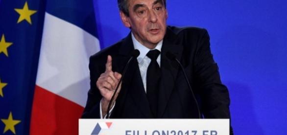 Fillon candidat même si mis en examen: le triomphe de la théorie ... - challenges.fr