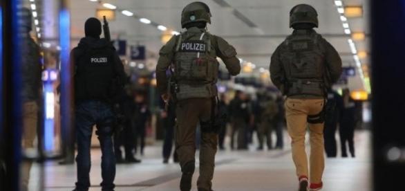 Wilhelmshavener Zeitung: Verletzte bei Axt-Attacke im Düsseldorfer ... - wzonline.de