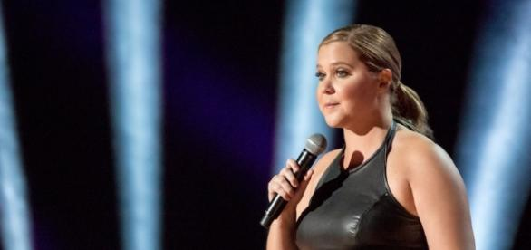 In uneven 'leather special,' amy schumer takes on fame, p**sy, and ... - scoopnest.com