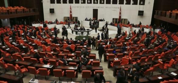 Turquie : le Parlement autorise la réforme constitutionnelle de ... - lopinion.fr