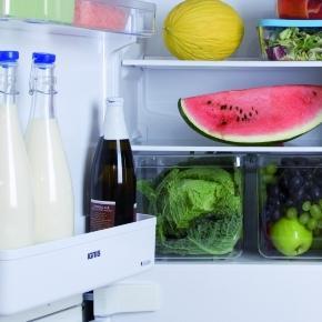 Dove riporre il latte? Mai nella porta del frigo