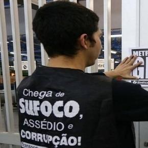 Metroviários e funcionários de ônibus de São Paulo protestam contra reformas do governo Temer.