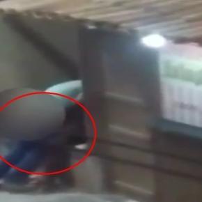 Momento chocante em que mulher é atacada