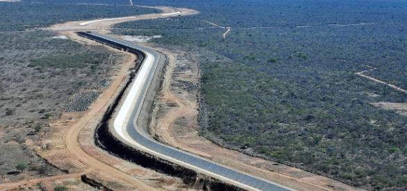 O 'Novo Chico' leva água às regiões que mais sofrem com as secas