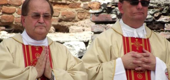 Tadeusz Rydzyk rozmyśla o Matce Boskiej z Fatimy