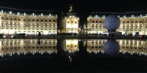Bordeaux, Mirror d'eau, on peut voir double