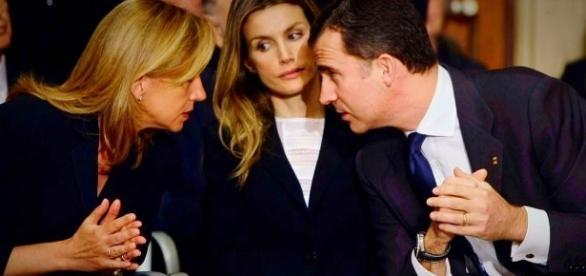 La Infanta Cristina, doña Letizia y Felipe VI.