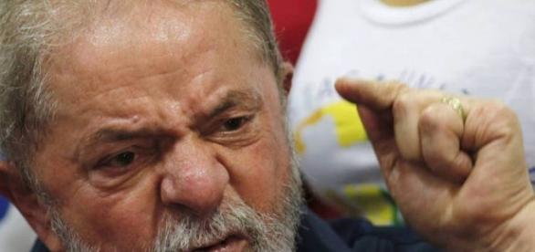 Lula pedia favores à empreiteira
