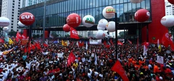 Riforma pensioni, in settimana brasiliani in piazza contro le regole restrittive