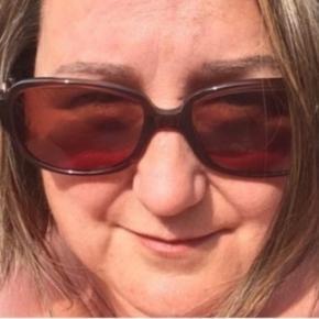 Em uma postagem no Faceboook, uma mulher desabafa sobre os vizinhos que não deixam moradores dormir por causa do barulho alto na hora do sexo