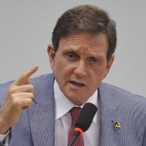 Crivella quer erguer muro de R$ 1,6 milhão para 'se proteger' de favela (Foto: Gabriel de Paiva   Agência O Globo)