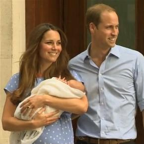 Prince William of Wales und Catherine, Duchess of Cambridge mit Baby Prince George / Foto: AshleyMott - Eigenes Werk, CC BY-SA 3.0 (Wikimedia)