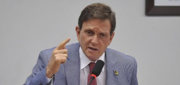 Crivella quer erguer muro de R$ 1,6 milhão para 'se proteger' de favela (Foto: Gabriel de Paiva | Agência O Globo)