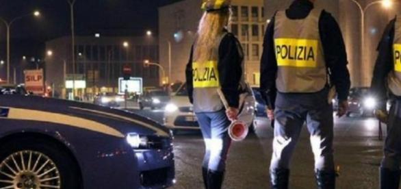 Reggio Emilia, 16enne guida la vettura della nonna: anziana multata
