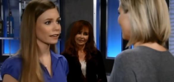Nelle, Carly, and Bobbie-Image by ItsLoriGH/YouTube