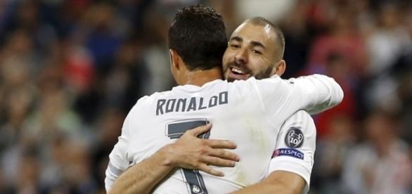 Real Madrid: Benzema couvert de cadeaux par CR7