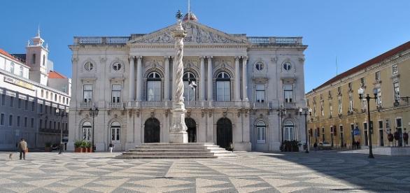 Foi na Câmara Municipal de Lisboa que uma funcionária apresentou irritação dos olhos e dificuldade em respirar depois de abrir um envelope