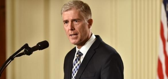 Trump nominates Neil Gorsuch to Supreme Court | PBS NewsHour - pbs.org