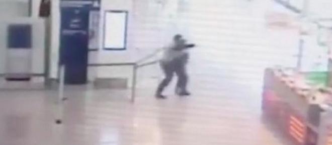 VIDEO : Les images CHOCS de la fusillade à Orly