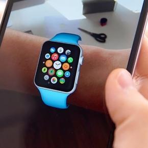 Samsung presenta Bixby, Apple lancia gli occhiali tech per il nuovo iPhone