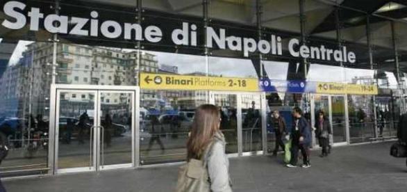 Napoli, stuprato nel vagone di un treno fermo: il dramma di un peruviano