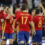 Celebración de los jugadores de La Roja tras la importante victoria ante Israel. Foto: Juan Carlos Hidalgo / EFE