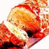 Rocambole de frango com muita geleia de pimenta como cobertura