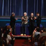 Y Almodóvar, emocionado, por fin celebró su película 'La mala ... - elpais.com