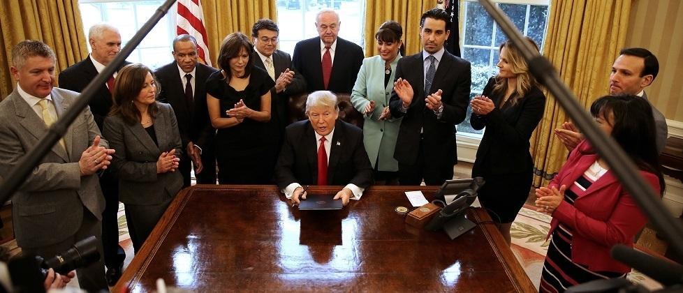 Disastro-Trump, il declino inarrestabile della potenza americana