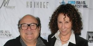 Danny DeVito, Rhea Perlman split after 46 years - Photo: Blasting News Library - dailyherald.com